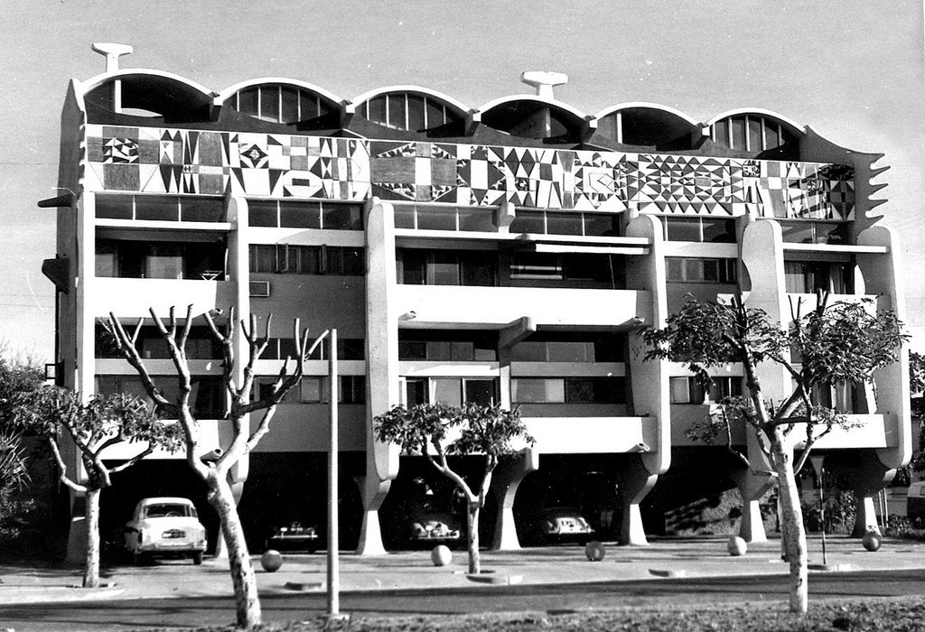 Pancho guedes a legend of african modernism architecture for Architecture fantastique